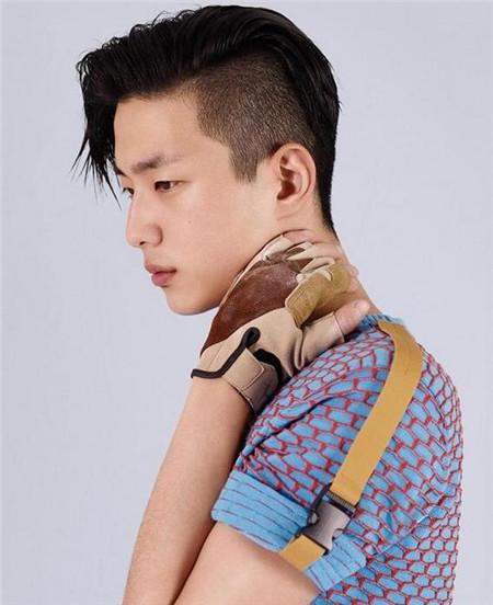 二十岁左右男生发型 两边削底更帅气 时尚男发 发型站 最新流行发型设计发型图片与美发造型门户网