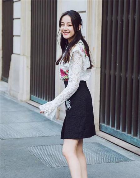 迪丽热巴刘海发型