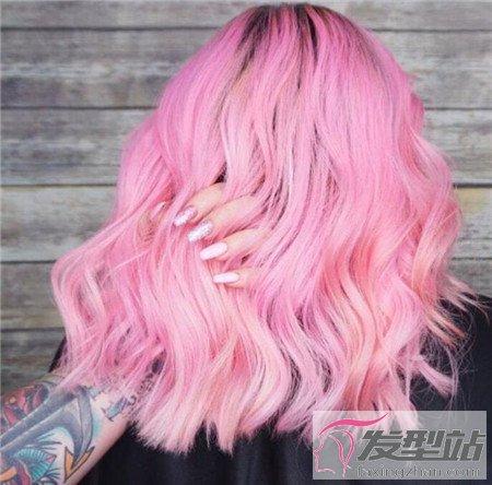 气质盘发发型_粉色头发发型图 少女粉就是减龄-染发发型-发型站_最新流行发型 ...