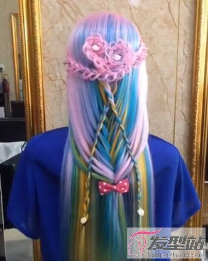 粉蓝色头发编发