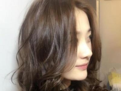 今年流行什么发型女生中长发 2018女生都流行这样的发型