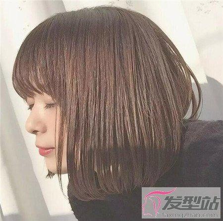 学生短发内扣发型