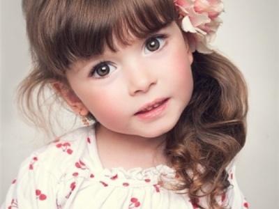 小女童最简单易学的发型 你和小公主只差一个好看的发型