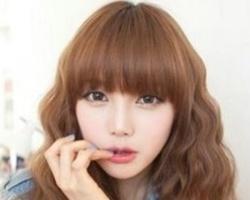 玉米烫lehu66乐虎国际图片中长发 烫出动感个性美很适合头发少女生