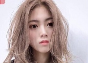 头发分界线也会导致头发稀疏 定期调整头发分界线真的很重要