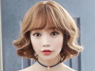 韩式中短发蛋卷头发型 女生最喜欢瘦脸的短发烫发
