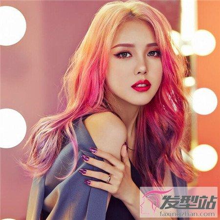 染头发最好看的色调 暖色系染发让你阳光可爱