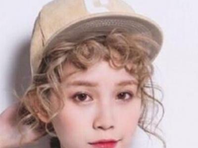 女生泰迪卷卷发发型 实力诠释毛绒绒的质感
