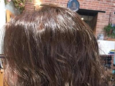 如何防止染过的头发过早掉色 不同发色护理方法不同