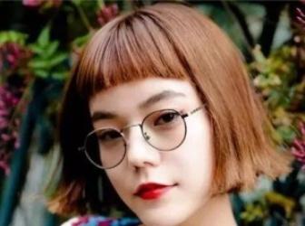 二次元刘海怎么剪好看 吸睛眉上剪法变身个性少女