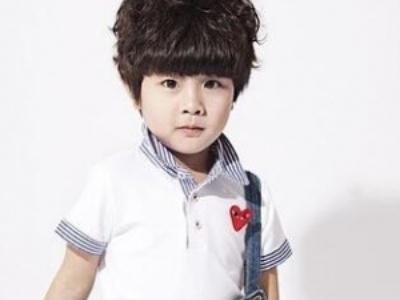 小男童卷发发型 开学季做个帅气小潮男