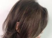 头发出油毛躁掉头发怎么办?女生换季经常会遇到的头发问题