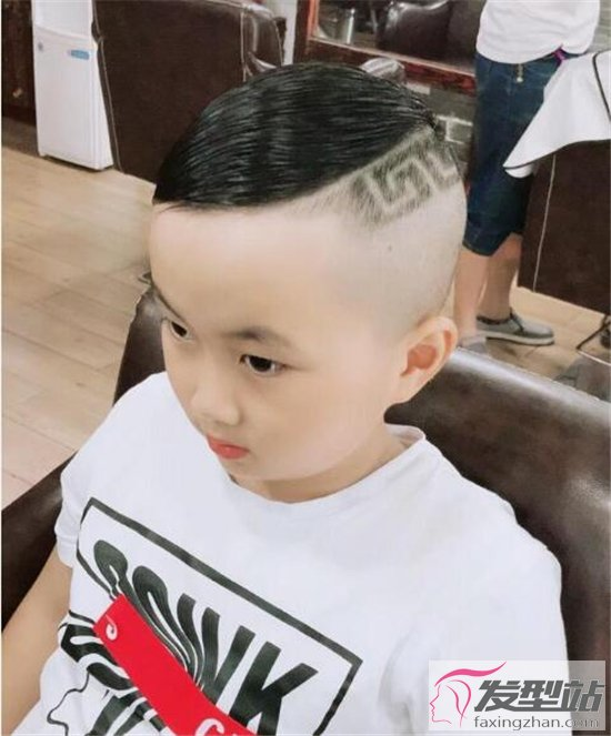 中长发的发型_儿童发型 男孩女孩好看发型图片-儿童发型-发型站_最新流行发型 ...