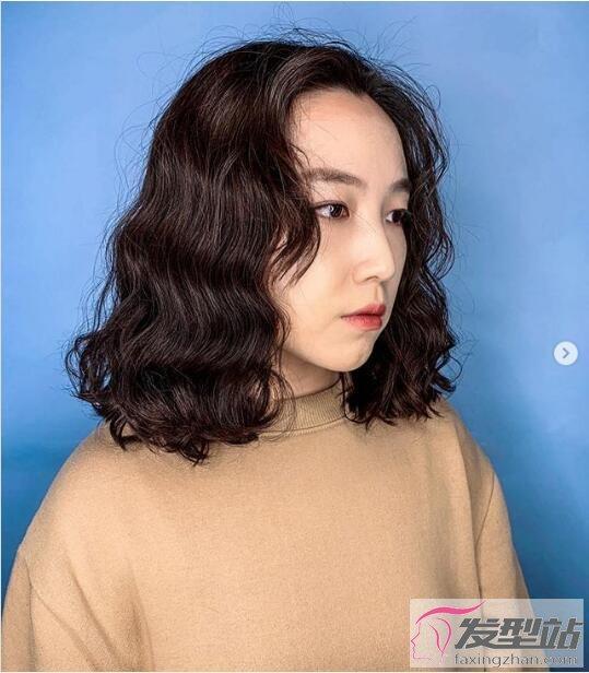 2019中长发最新发型女 轻松驾驭唯美气质发型图片