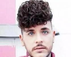 男生小卷烫发发型 复古感十足释放独特个性