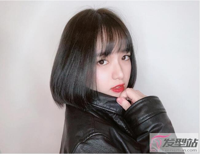 2020短发最新发型女直发 超火玻璃短发让你视觉-10岁图片