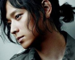 日式小辫子发型扎法男 简约个性很有时尚味道