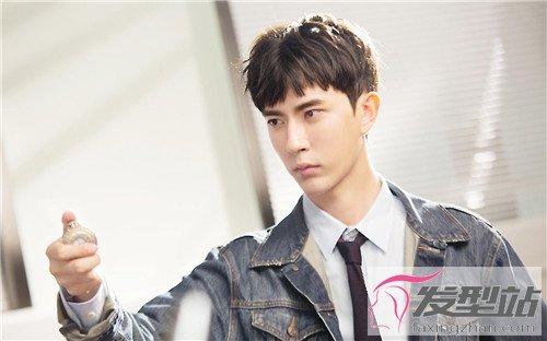 男学生做什么发型好看? 韩式男发青春百搭塑造校园男神