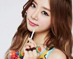 女生韩式卷发造型 唯美浪漫拒绝厚重感