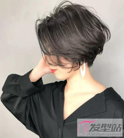 什么叫贝壳头发型 层次感鲜明洋气十足