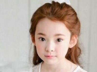 小女孩简单公主头扎发 甜美大方从小就是淑女