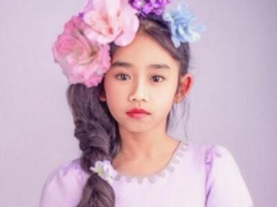 儿童穿裙子适合的发型 优雅淑女范从小培养