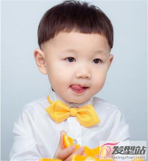 小男孩发型