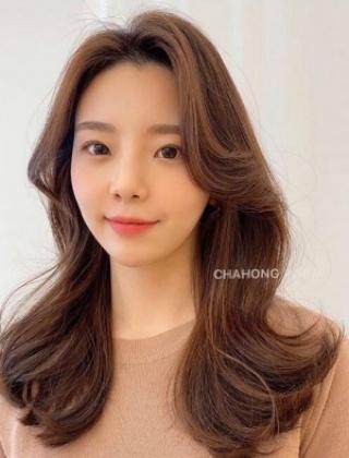 温柔到骨子里的韩式卷发,完全不挑脸型显气质!