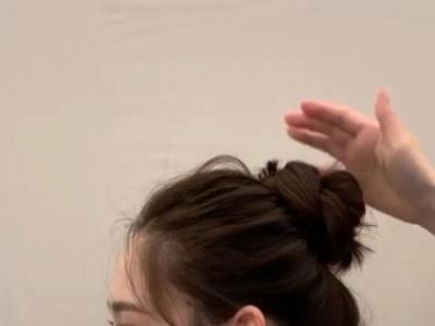 圆脸怎么扎头发简单好看?发型师传授圆脸绑发重点,高