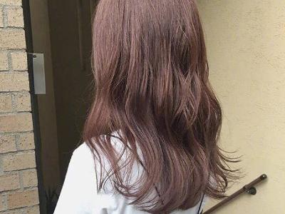 今年长发流行怎么烫 换上波浪卷发才是大写的好看