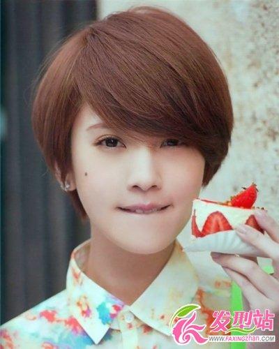 杨丞琳短发发型图片  百变短发简单可爱