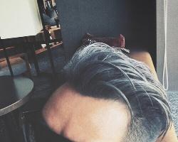 2021男生染发颜色大全 欧美范型男染发发型