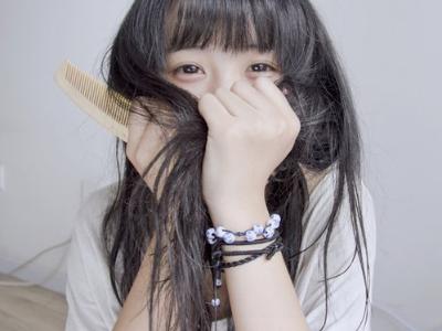 头发扁塌变少的原因 5个会让你变光头强的坏习惯