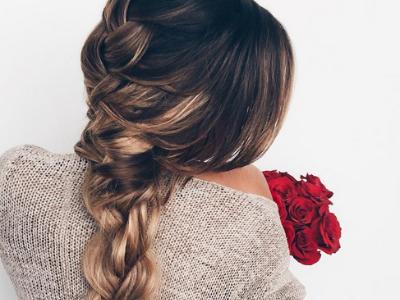 夏季约会发型扎法 时尚盘发编发发型图片