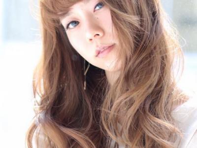 秋季最美染发 金棕亚麻色头发正流行