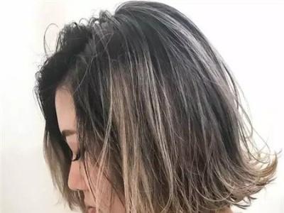 最新流行显瘦短发 翻翘短发正时髦