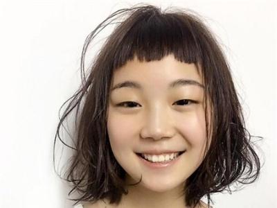 日系短烫发发型 亚麻栗烫发染发