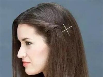 刘海拧辫发型 休闲发型DIY