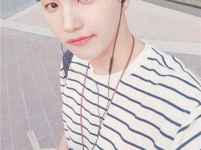 韩式男生染发设计 胭脂蓝锈红樱桃色
