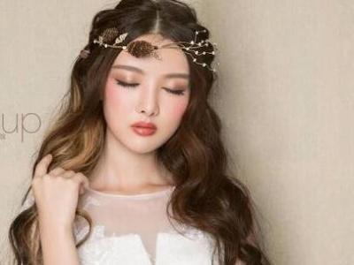 甜美鲜花新娘发型 自带花仙子灵气