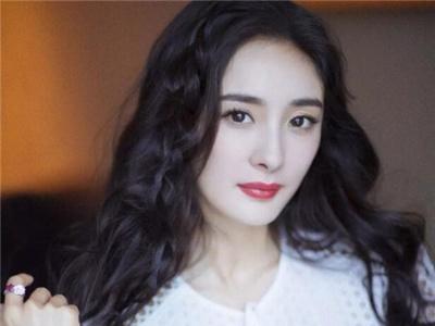 杨幂lehu66乐虎国际图片中短发长发对比 长发短发都能轻松驾驭的女神