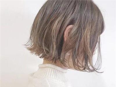 女生短发首选款式 外翘弧度更轻逸