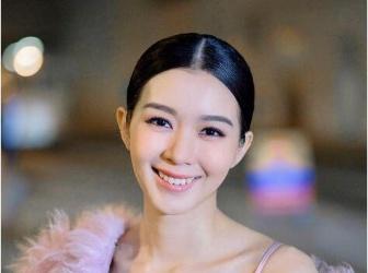 女性颁奖典礼总是乱发失仪,哪个发型最能保持完美造型?
