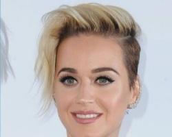 女人留长发好看还是短发好看 这些女星剪短发比长发更好看
