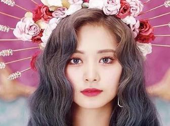 台湾女神周子瑜新歌造型美炸,唇妆&人鱼卷发拆招