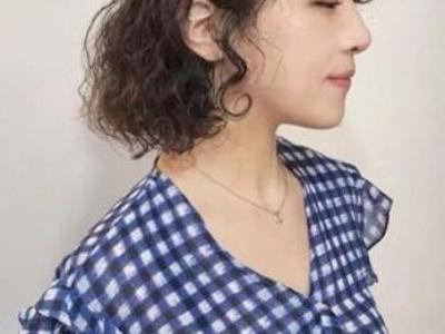 今年女生最流行什么烫发发型 烫时尚发型做时髦女孩