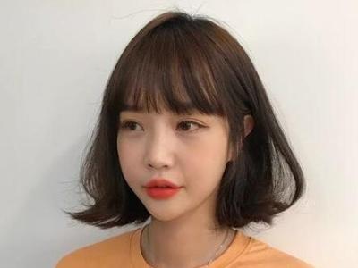 烫发流行款女生发型示范 头发烫弯时髦又好看最nice