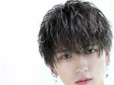 男生烫什么样的头发好看 日系简约空气烫了解一下