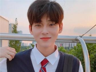 新款韩版男生发型 让你帅气时尚一整年