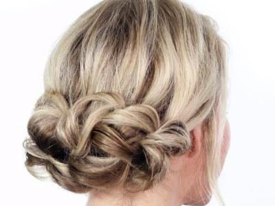 女生低盘发发型教程图解 扎法简单容易学换上就变美